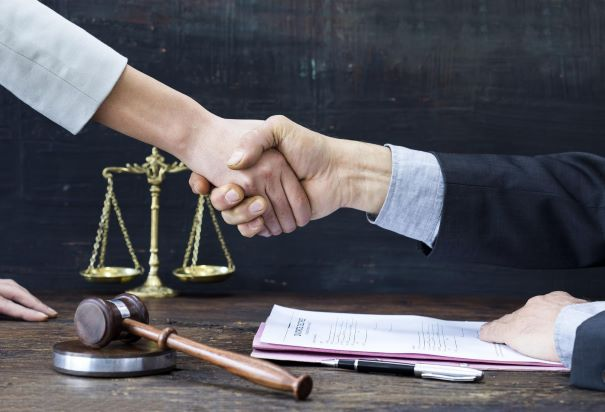 What Are the Duties of Personal Injury Lawyers?