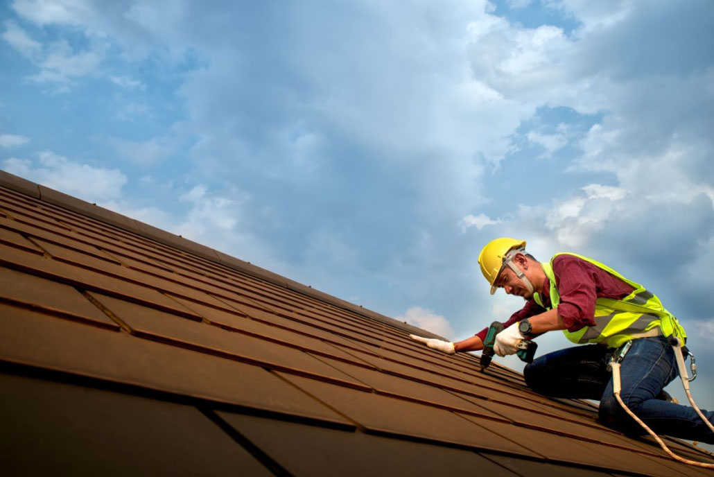 What Should I Look For When Hiring A Roofing Contractor?